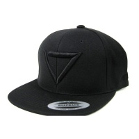 ade_shoes_classic_logo_snapback_total_black_1