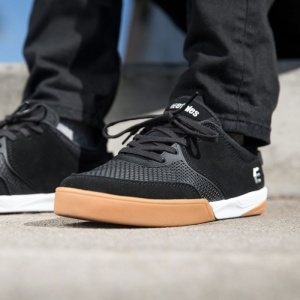 etnies_halix_black_white_gum_5
