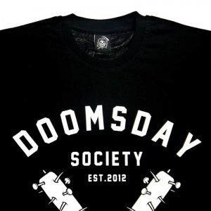 t_shirt_doomsdey_no_mercy_black_2